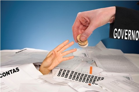 2944 salario parcelado 1 - Parcelamento de Salários Gera Danos Morais ao Servidor.